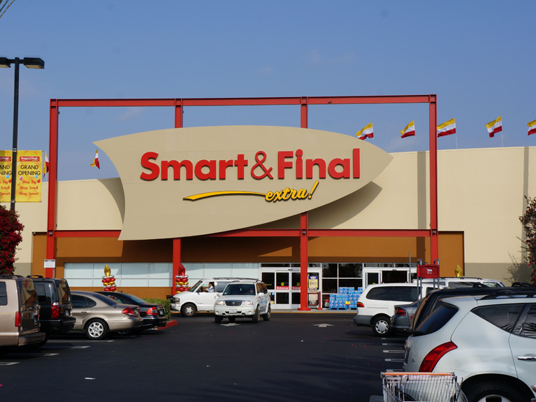 Smart & Final Stores, Inc. (SFS) Trades at 52-Week Low
