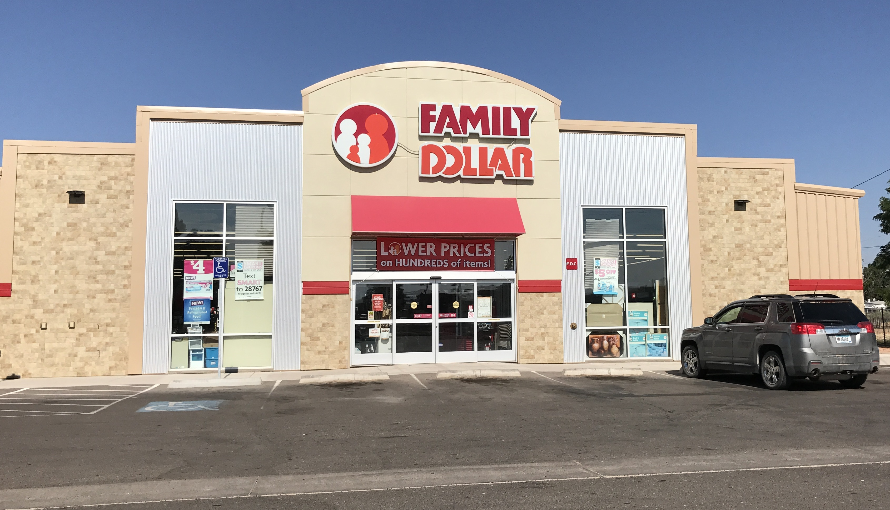 Dollar Tree Firmly Positive After Early Volatility