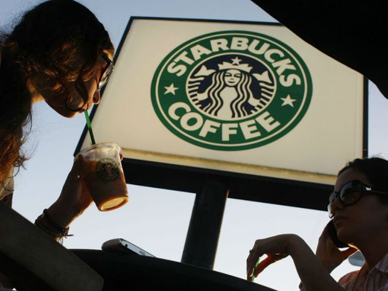 Starbucks launches new credit card with Chase