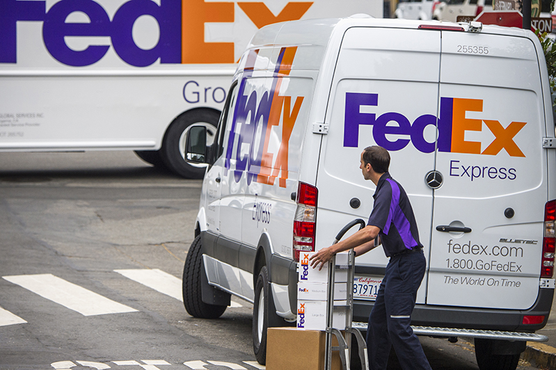 FedEx (NYSE:FDX) Announces Earnings Results, Beats Expectations By $0.61 EPS