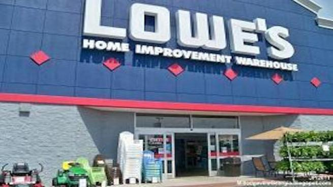 Lowe's Hands Out New Employee Bonuses