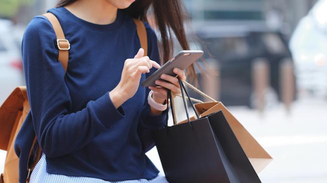 Shopper on street