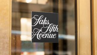Saks Fifth Ave sign